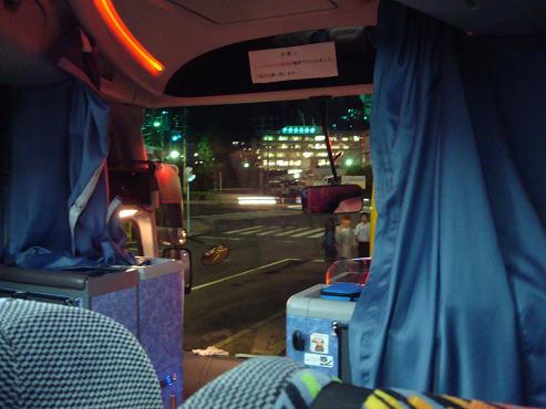夜行バス内